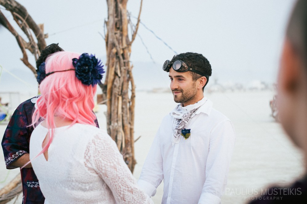 burning_man_wedding_photography_Queens_And_Hearts_wedding_photojournalism_DSC_4642