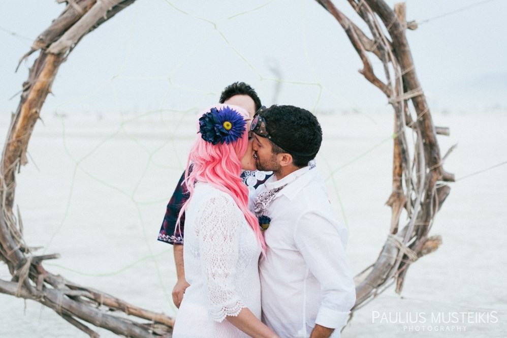 burning_man_wedding_photography_Queens_And_Hearts_wedding_photojournalism_DSC_4711