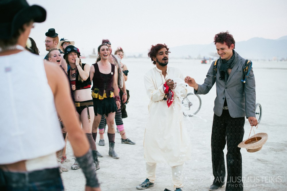 burning_man_wedding_photography_Queens_And_Hearts_wedding_photojournalism_DSC_4790