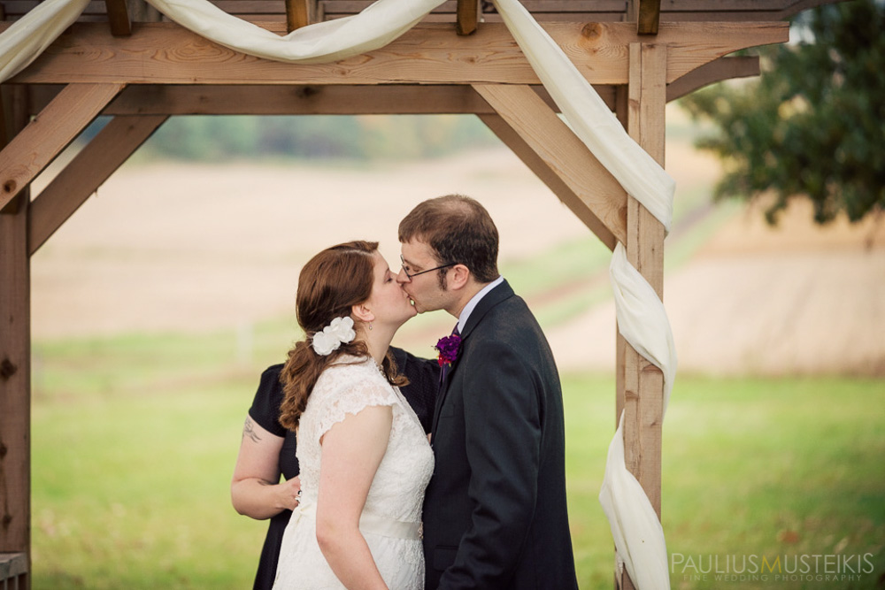 farm_wedding_photography_Madison_WI_by_Queens_And_Hearts_wedding_photography_10052013-0707