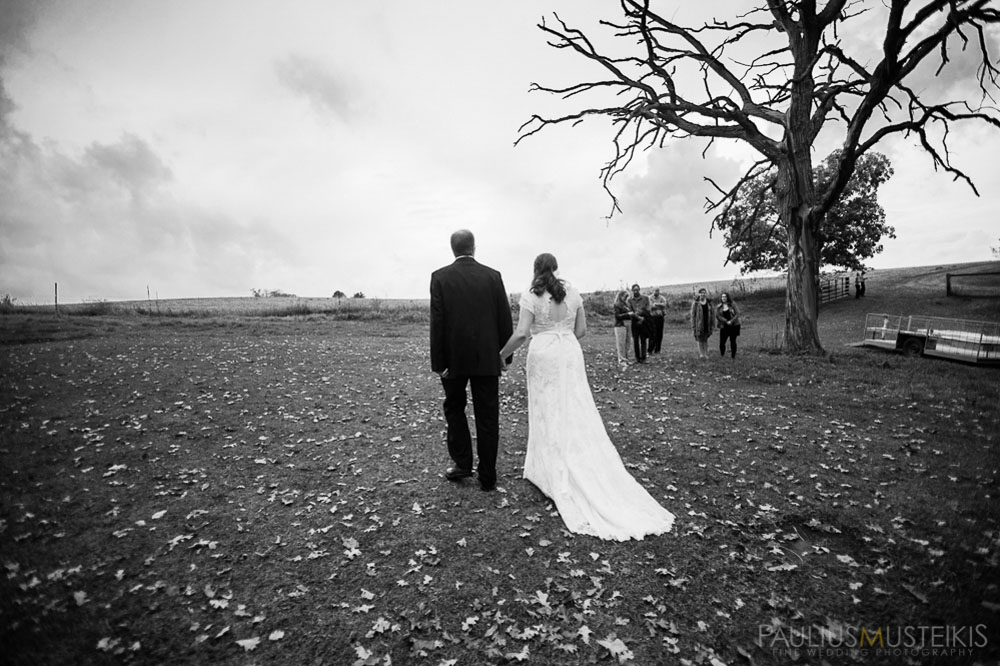 farm_wedding_photography_Madison_WI_by_Queens_And_Hearts_wedding_photography_10052013-7609