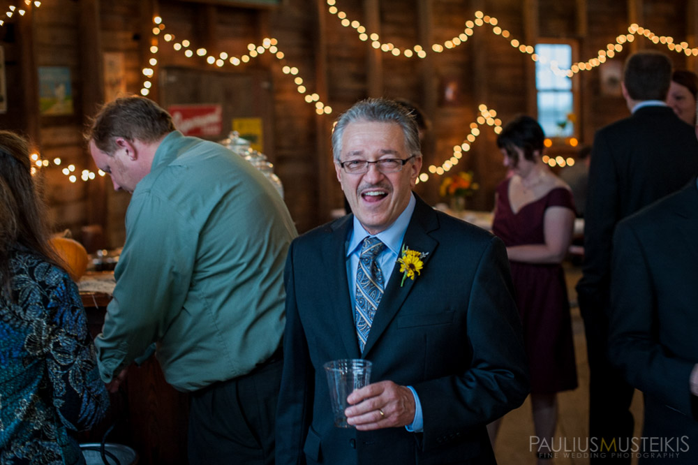 farm_wedding_photography_Madison_WI_by_Queens_And_Hearts_wedding_photography_10052013-7691