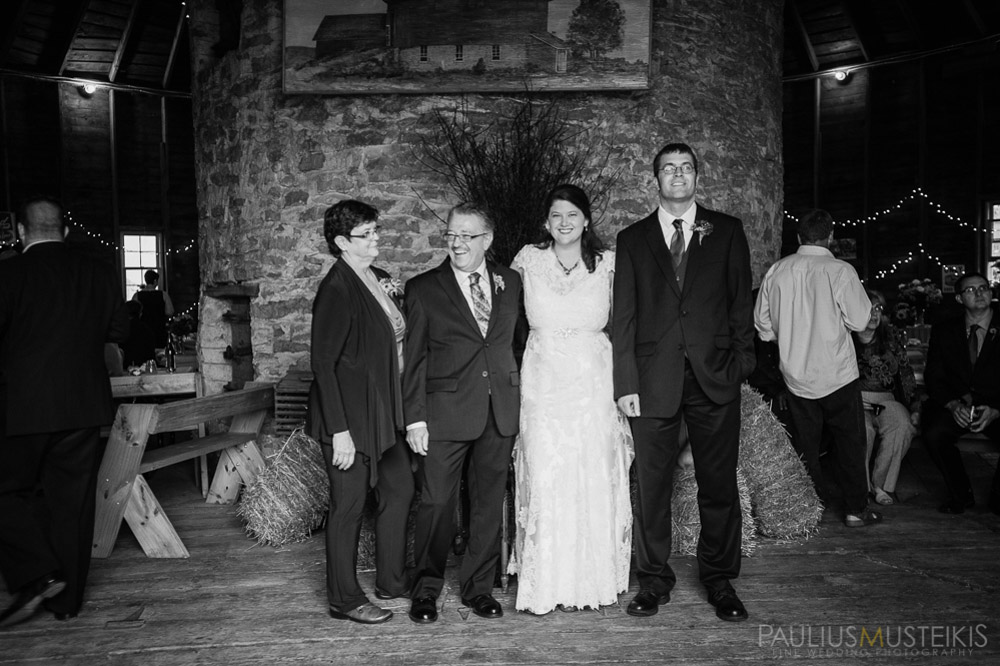 farm_wedding_photography_Madison_WI_by_Queens_And_Hearts_wedding_photography_10052013-7782