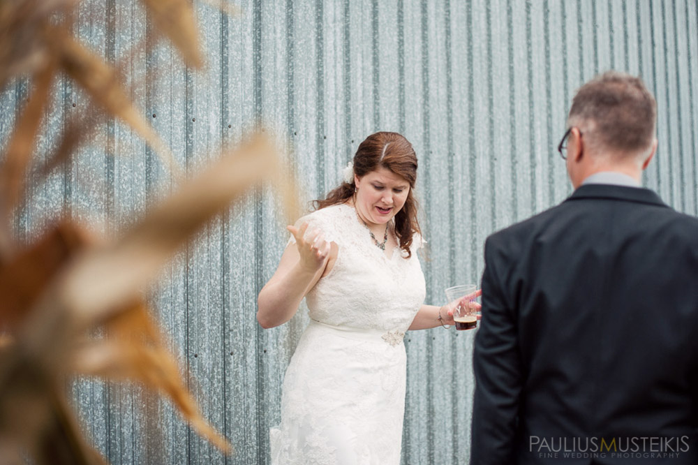 farm_wedding_photography_Madison_WI_by_Queens_And_Hearts_wedding_photography_10052013-7816