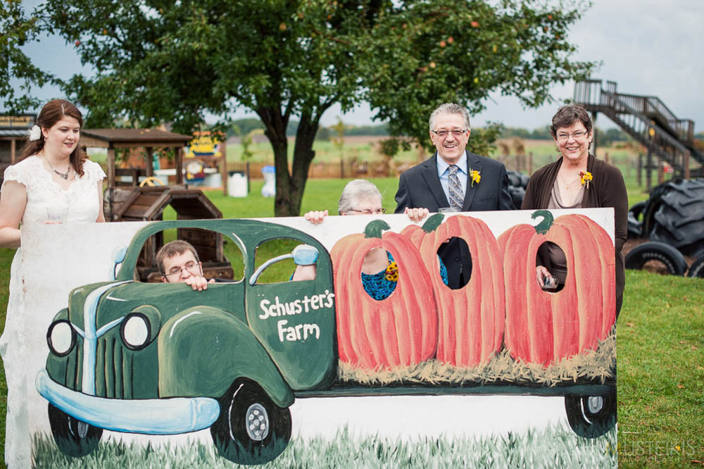 farm_wedding_photography_Madison_WI_by_Queens_And_Hearts_wedding_photography_10052013-7874
