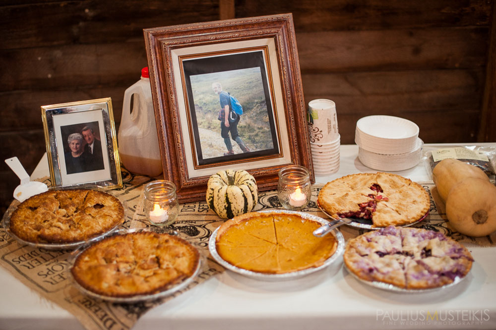 farm_wedding_photography_Madison_WI_by_Queens_And_Hearts_wedding_photography_10052013-8031