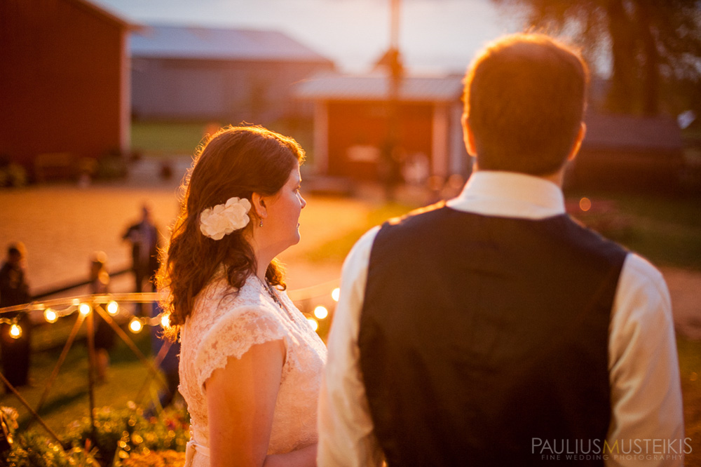 farm_wedding_photography_Madison_WI_by_Queens_And_Hearts_wedding_photography_10052013-8146