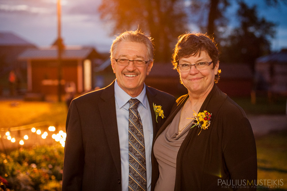 farm_wedding_photography_Madison_WI_by_Queens_And_Hearts_wedding_photography_10052013-8153
