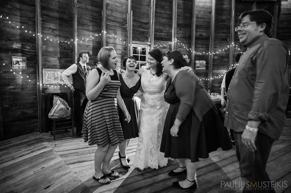 farm_wedding_photography_Madison_WI_by_Queens_And_Hearts_wedding_photography_10052013-8363
