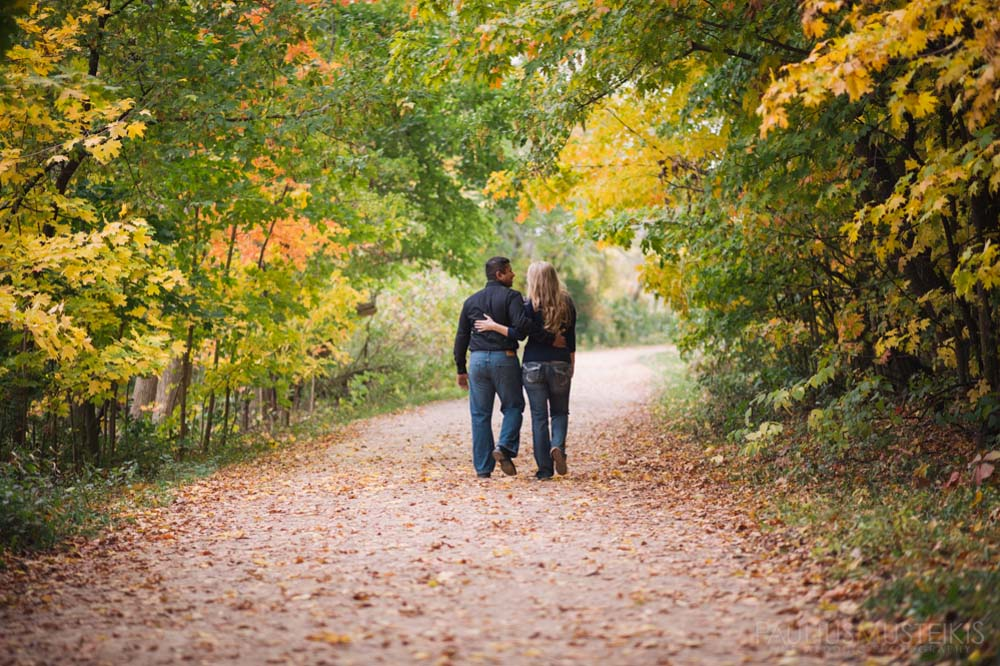 engagement_photography_Madison_WI_Queens_and_hearts_Sally_Sunil-0777