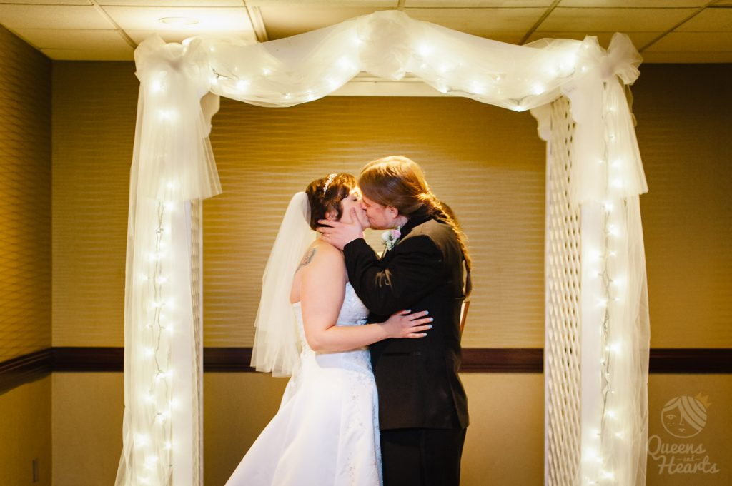 Lidsey_Ben_The_Madison_Concourse_Hotel_wedding_by_Queens_Hearts_Photography-0102