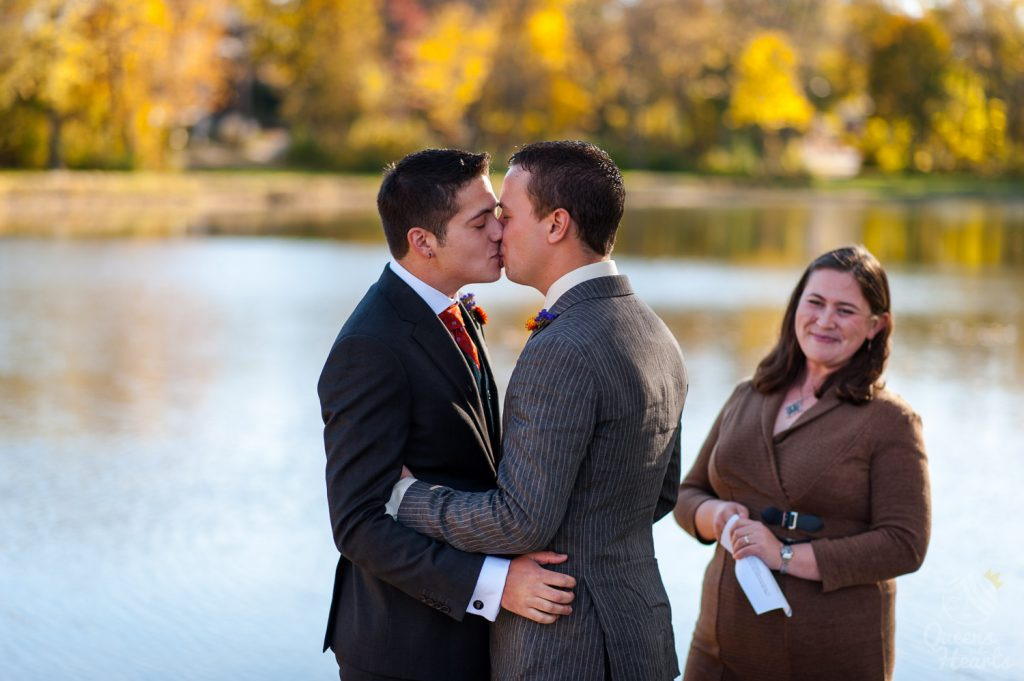 Greg_William_lesbian_gay_wedding_photography_Madison_WI_LGBT_Queens_Hearts_Photography-0054