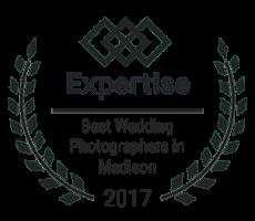 expertise-best-wedding-phoptographer-madison-winner-2017-logo