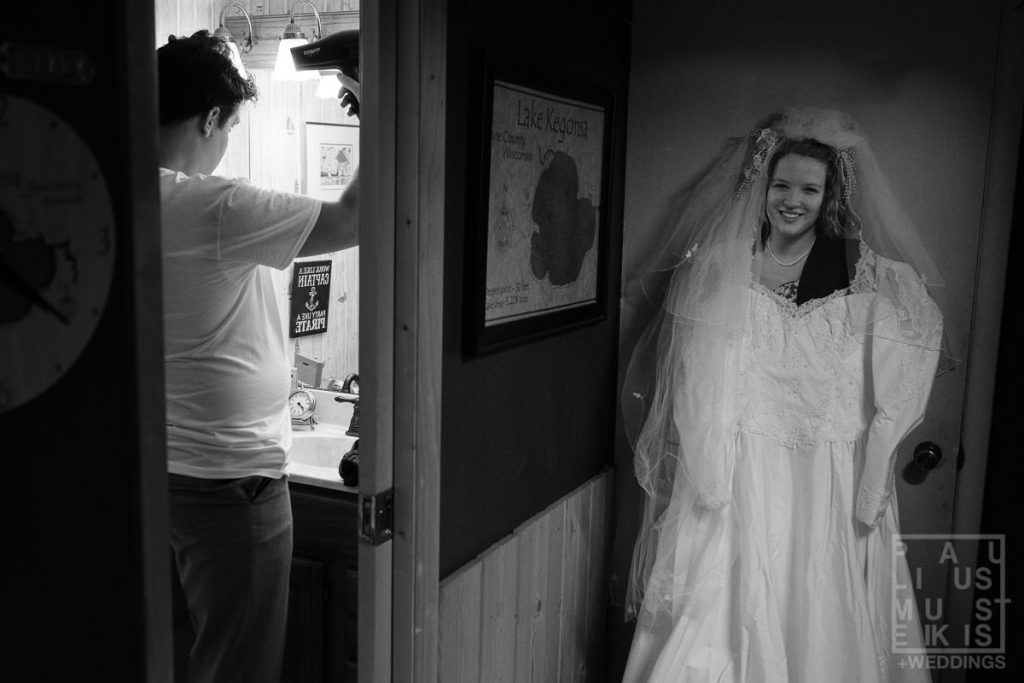wedding photographer philosophy: I won't touch or move things around while groom is getting ready with bride's picture dressed up in other room