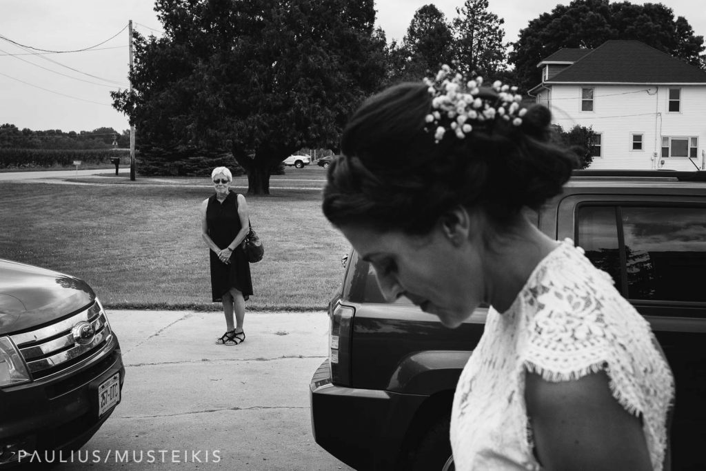 mother of the bride sees her daughter in wedding dress for the first time