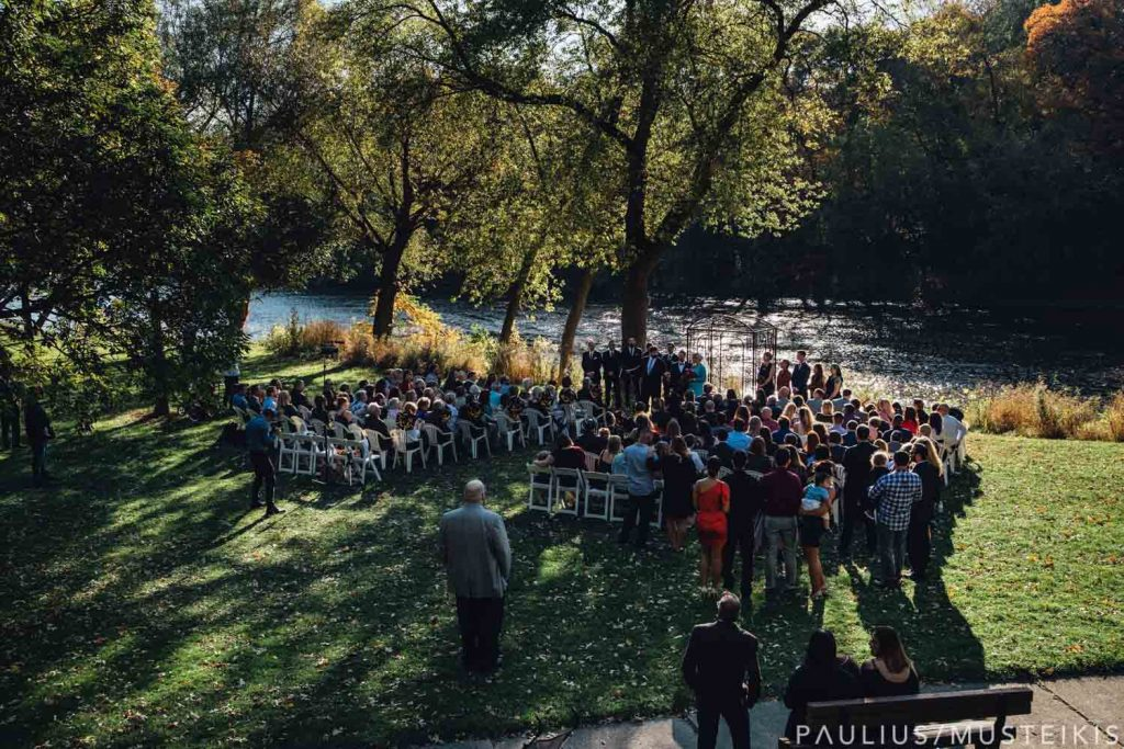 Hubbard Park wedding ceremony overlooking Milwaukee river